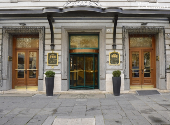 Mecenate Hotel Entry